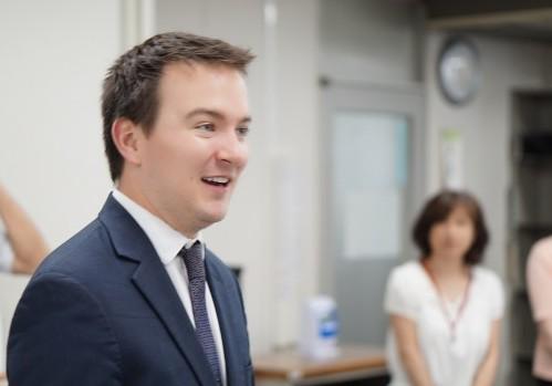 海外インターンシップを総括し、「ヘルスケア業界とコンサルティングの未来」について提言。